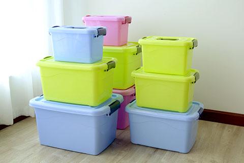 Heavy-duty plastic storage boxes